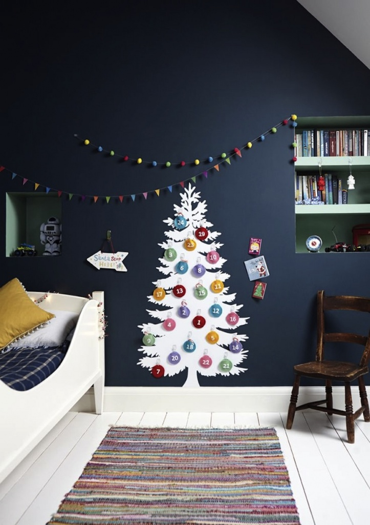 10-Adorable-Christmas-Decor-Ideas-for-Your-Kids-Bedroom-3.jpg